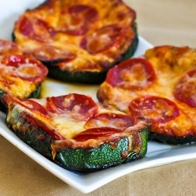 A great low-carb, gluten-free take on an Italian staple: Grilled Zucchini Pizza Slices. #food #vegetables #pizza #Italian #zucchini #gluten_free #low_carb