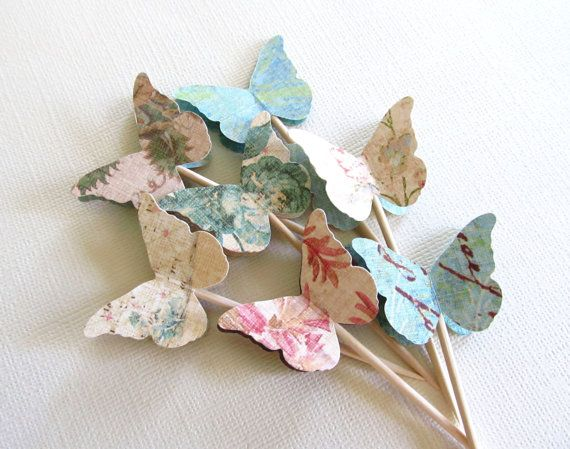 Hoi! Ik heb een geweldige listing gevonden op Etsy http://www.etsy.com/listing/126990895/shabby-chic-butterfly-cupcake-toppers
