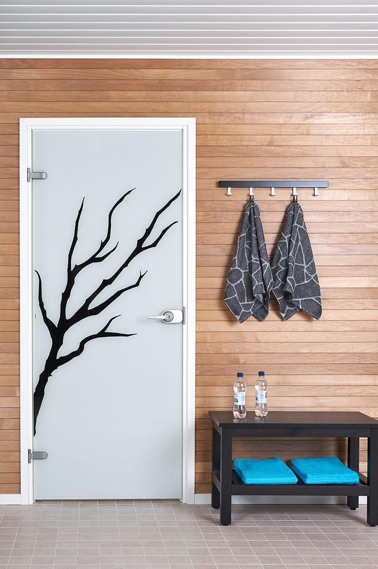JELD-WENin Spa-malliston lasiovi Oksa+ ja Salasauna-pyyhkeet http://www.jeld-wen.fi/ovet/sisaovet/sisaovivalikoima/tuotesivu/?productId=3304