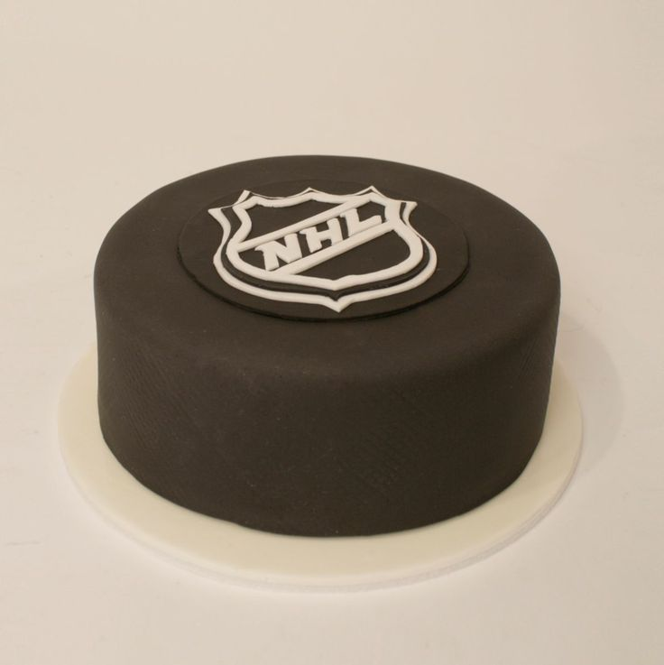 Charm City Cakes - hockey puck cake