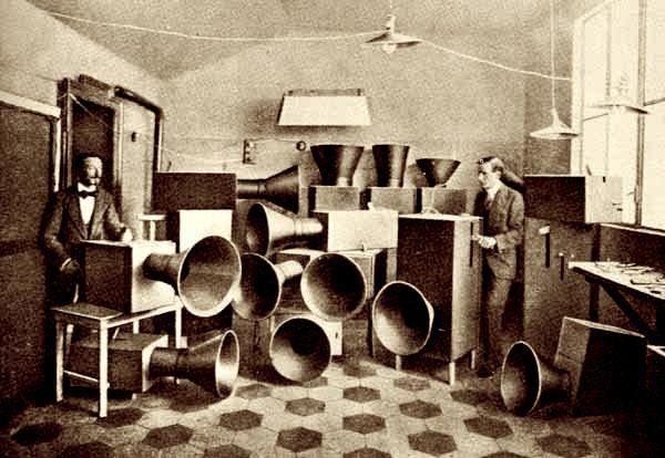 Intonarumori, Luigi Russolo, 1913