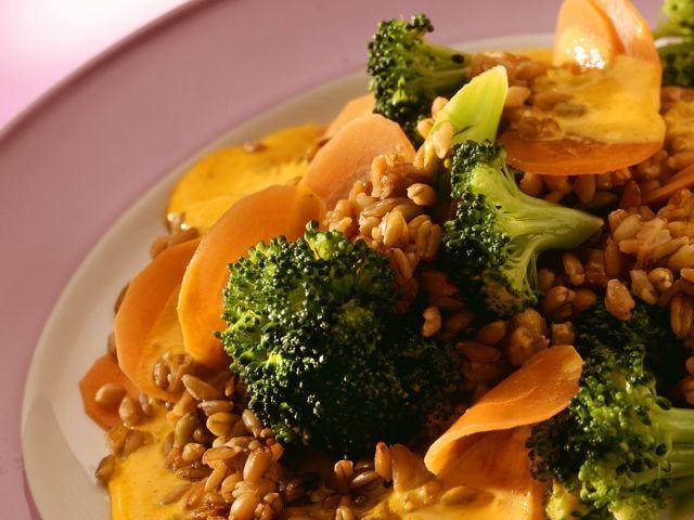 Risotto aus Grünkern mit Karotten und Brokkoli