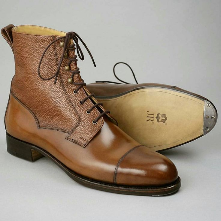 A beautiful pair made for the up and coming gentleman store @jeeves_store - well executed again. Specifications of this piece: MODEL: Valway High Boots LAST: F COLOUR: Cognac Scotchgrain and...