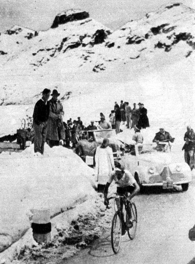 1948 Giro: Fiorenzo Magni sube las altas montañas