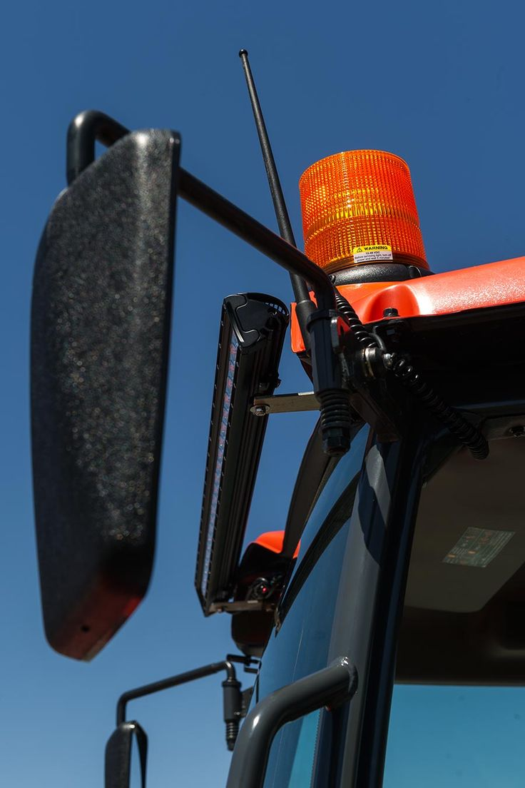 "6-3/4"" Amber LED Strobe Light Beacon with 40 LEDs - Magnetic Base | LED Strobe Beacons | Emergency Vehicle & Strobe LED Lights | Super Bright LEDs"