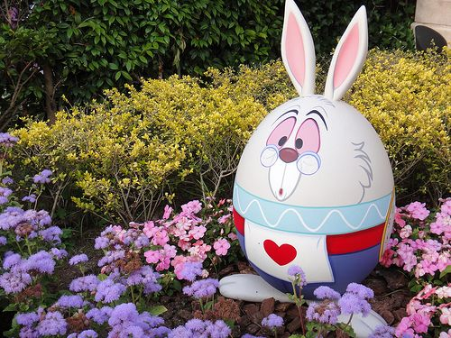 rabbit: Decor Eggs, Rabbit Easter, For Kids, Easter Crafts, Disney Easter, Easter Eggs, Happy Easter, White Rabbit, Eggs Decor