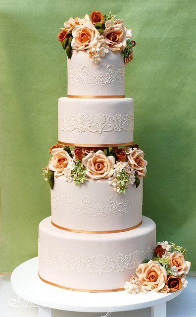 Weddig cake by Alessandra Cake Designer, via Flickr