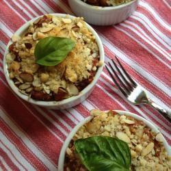 Pomodoro, melanzane, pecorino e mandorle tritate: questi rigatoni portano la Sicilia nel piatto! http://allrecipes.it/ricetta/228/rigatoni-alla-siciliana.aspx