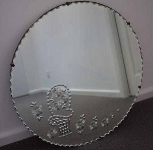 ANTIQUE-ART-DECO-ROUND-SCALLOPED-EDGED-WALL-MIRROR