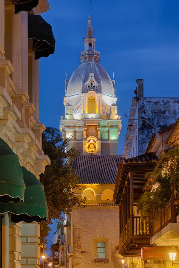 Church in Cartagena, Colombia, by Enzo Figueres on 500px