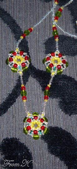 Cute Poinsettia Flower #Necklace. Perfect for the Holiday Season, either as a touch to any outfit or as great holiday gifts for friends and family. Made with Czech glass seed beads and glass crystals. About 55 cm long 25.00 Ron