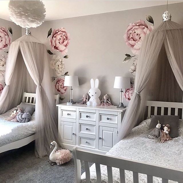 How Unbelievably Stunning Is This Room For Sisters The Super Talented Love Luxe Interiors Featuring The E In 2020 Shared Girls Room Girl Bedroom Decor Twin Girls Room