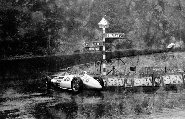 Nostalgia. A tribute to Richard Seaman.  1939, VIII GRAND PRIX DE BELGIQUE at Spa Francorchamps. Richard Seaman driven by La Source his Mercedes-Benz W154.  His last race and his last corner.