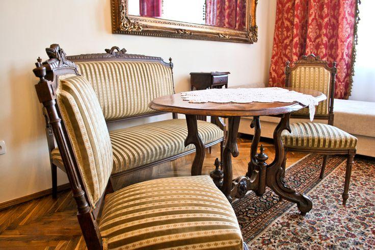 Luksusowy, wygodny, przestronny i świetnie wyposażony apartament w Krakowie w samym centrum, blisko restauracji, pubów, kawiarni. http://apartamenty-florian.pl