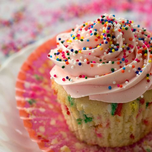 Homemade Funfetti Cupcakes & Sprinkle Themed Baby Sprinkle by sift & whisk