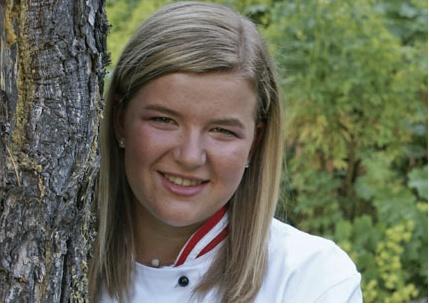 Sandra Walder. Auszubildende Gastronomiefachfrau. Bereits die Mutter von Sandra hat ihre Ausbildung bei uns im Haus gemacht. Wir freuen uns sehr, dass auch Sandra sich für die Hotellerie und für den Hochschober entschieden hat.