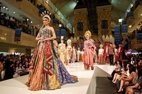 batik wedding dress