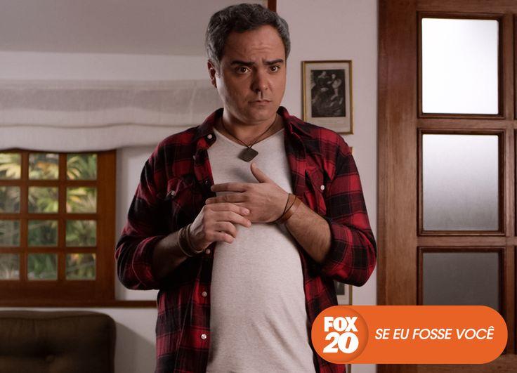 """Saulo Rodrigues é """"Toninho"""". Se Eu Fosse Você - Estreia, em outubro #EuCurtoFOX Confira conteúdo exclusivo no www.foxplay.com"""
