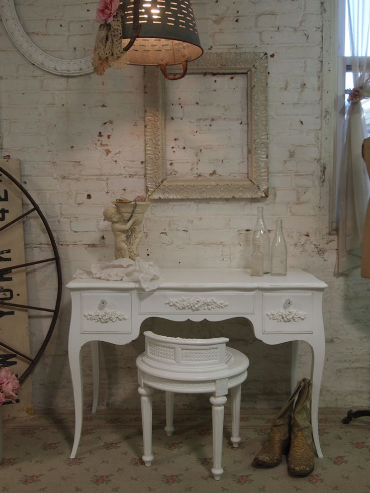 Cottage Chic   Painted Cottage Chic Shabby White Romantic Vanity