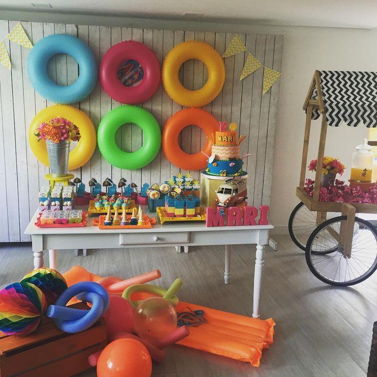 Esse final de semana teve uma linda festa na piscina! Pool Party para Mariana!!!  Bolo @fbrasilcakedesigner ...