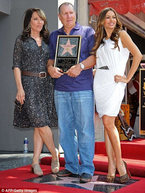 Three's company! Ed O'Neill's TV wives Sofia Vergara and ... David Faustino Wife