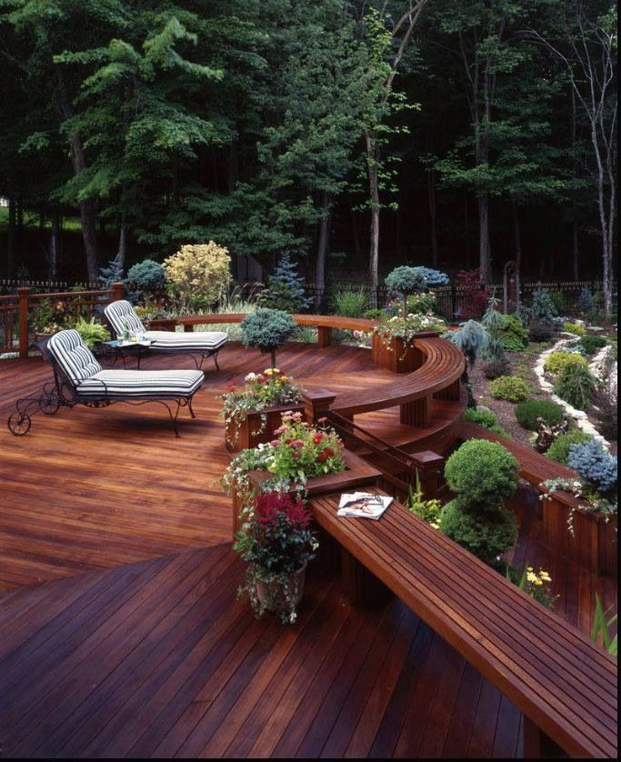 Beautiful backyard deck. Ideas for your deck