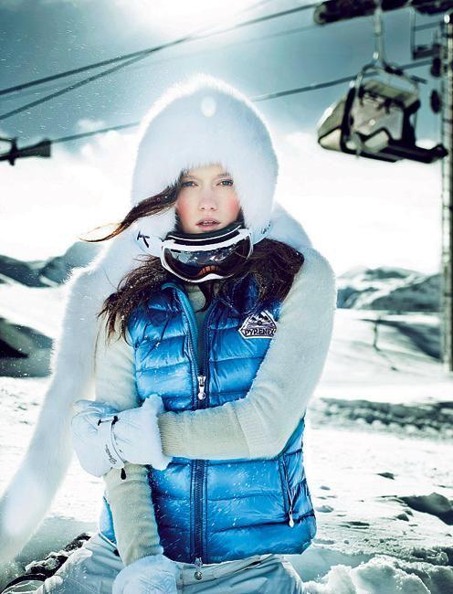 Pour jouer la reine des neiges et gagner ses étoiles fashion, on surfe entre dressing urbain et pièces techniques