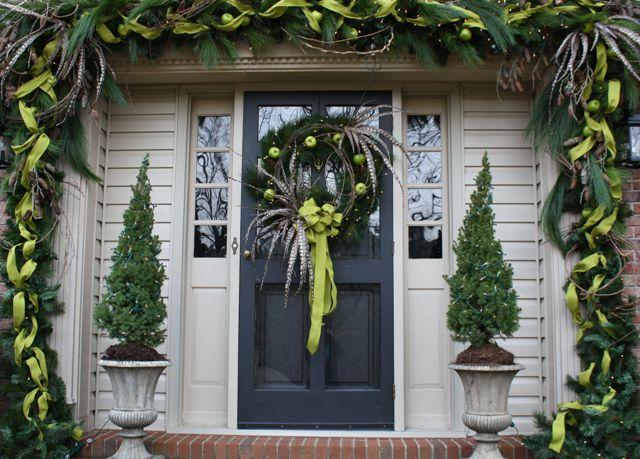 29 Best Christmas Front Door Decorating Ideas Images On Pinterest