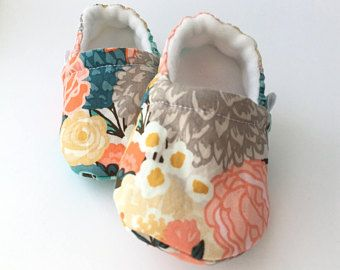 Floral Moccs, Baby Booties, Baby Slippers, Baby Crib Shoes, Baby Moccasins, Moccs, Baby Shoes, Soft Soled Baby Shoes