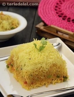 Korma gravies are very popular with most people. A korma gravy can be combined with everything from vegetables to paneer. Here is an innovative recipe of a layered biryani made with korma gravy and rice that has been flavoured with whole garam masalas and saffron. Enjoy this dish with any dal of your choice or even by its self.