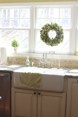 ROHL Fireclay Sink - the foundational element of a #ROHLWaterApp. I love the wreath for holiday season.