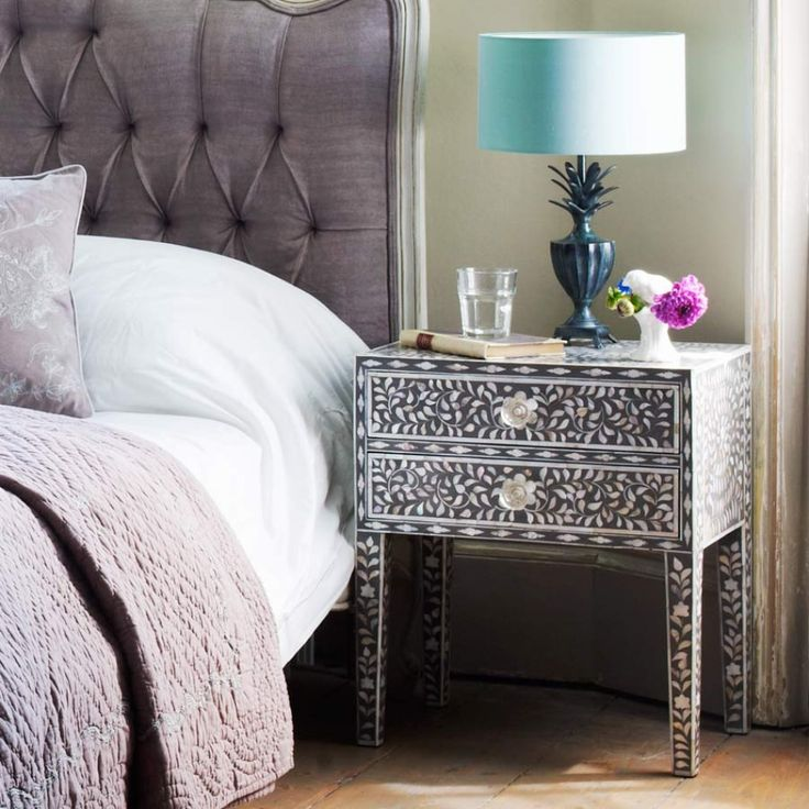Maxi Mother Of Pearl Side Table In Grey