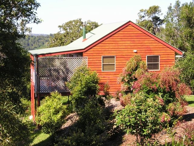 Wittacork Cottages, Maleny: The mix of a working farm combined with rainforest to explore offers exciting outdoor opportunities for a family holiday.#familyfriendly #farmstay #maleny #hinterland
