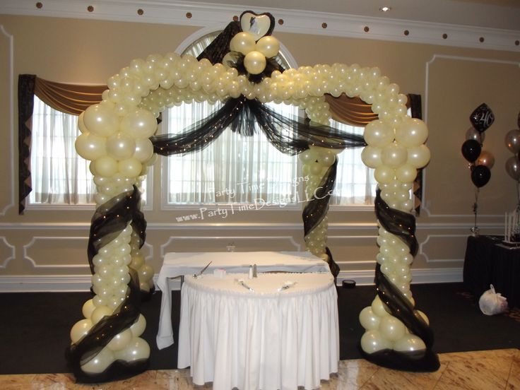 wedding balloon canopy over head table