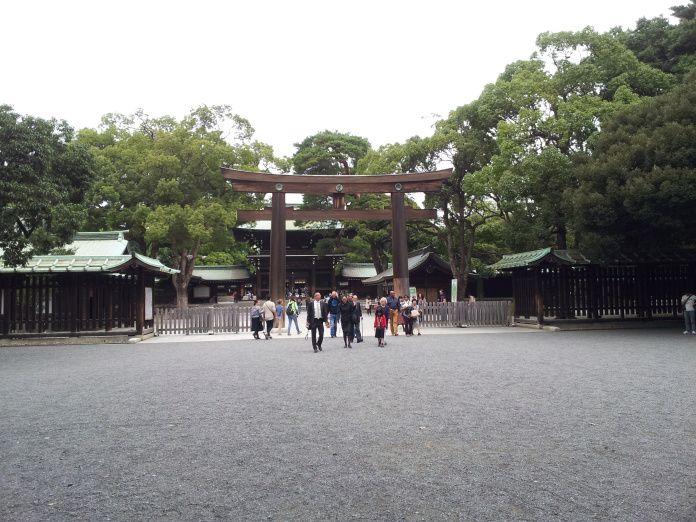 Tokyo, octobre 2014. Temple Meiji Jingu dans le parc Yoyogi.