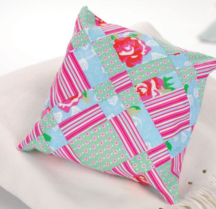 Three patchwork quick makes - Free sewing patterns - Sew Magazine & 309 best A Quilt - Pillows images on Pinterest   Cushions Quilted ... pillowsntoast.com