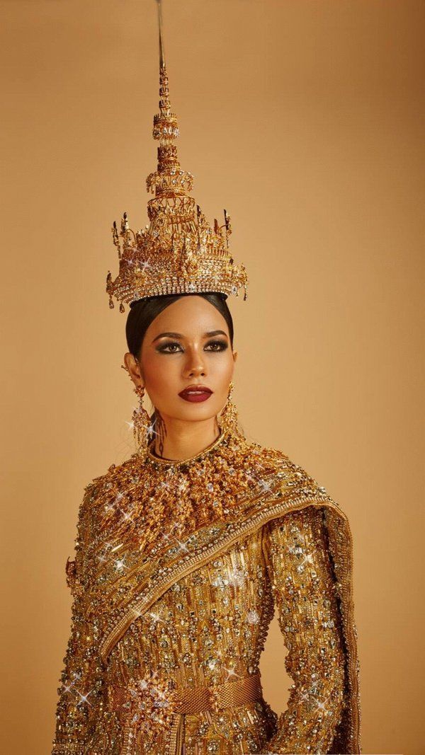 "oppppp on Twitter: ""Amazing and stunning in ""Jewel of Thailand"" #MissUniverse #Thailand https://t.co/ysV9ZgJiJD"""