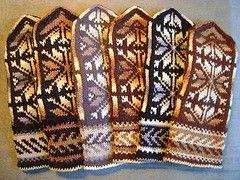 Gifts for Italy (tarelkaz) Tags: crazy mittens handknitting folkknitting
