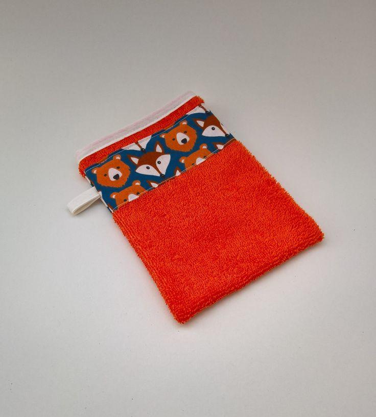 Gant de toilette en éponge orange de la boutique LesCreationsDeJulie1 sur Etsy