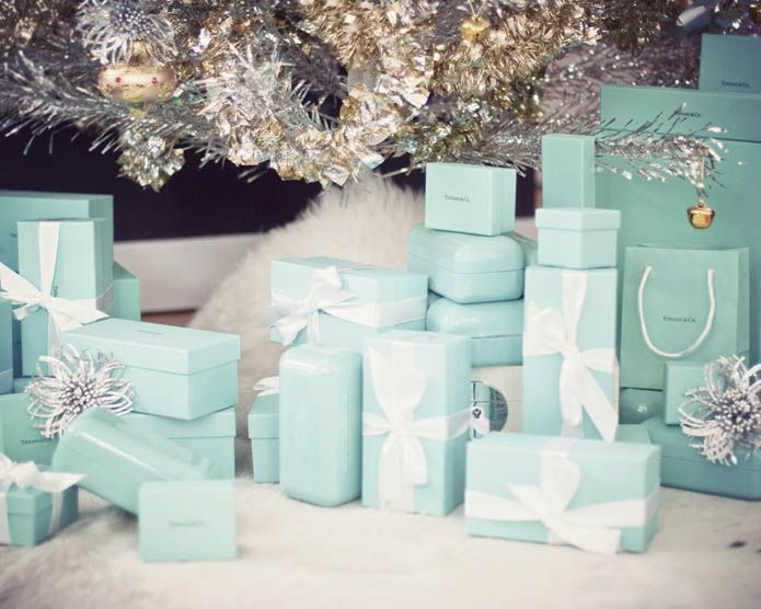 """{ A Tiffany Holiday } I can't even imagine... """"Come and trim my Christmas Tree... with some decorations bought at Tiffany's """" :)"""