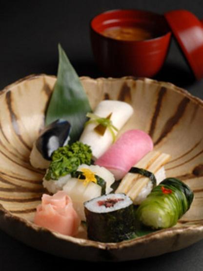 Vegan Sushi, Pickled Vegetables Sushi Platter (Kyoto, Japan)|田辺宗の漬け物寿司