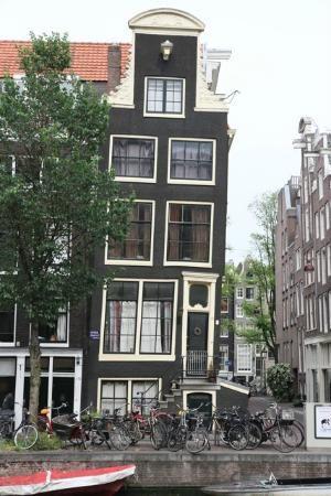 Amsterdam, Nederland: Tilting house
