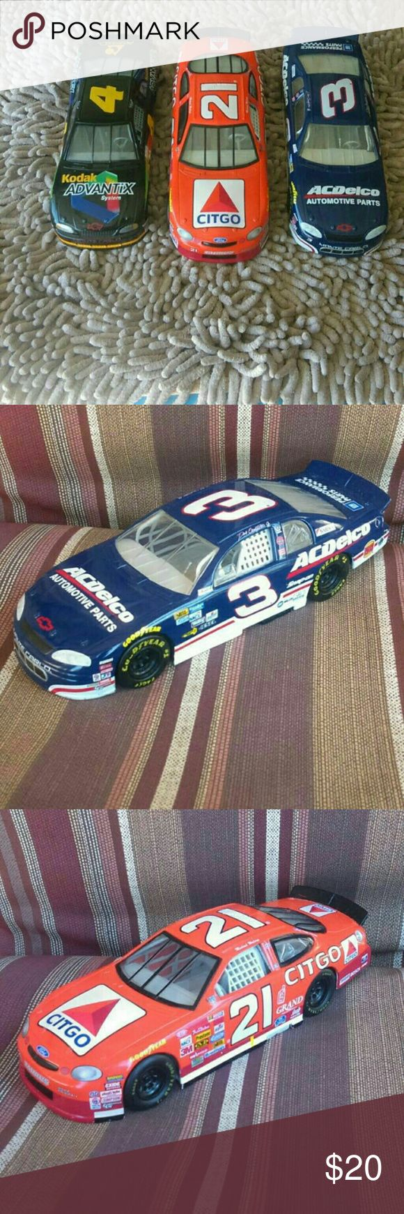 NASCAR Cars Lot I'm selling my 1:24 scale nascar diecast from 1997 / 1998, in good condition ..Thanks..no hot wheels brand! hot wheels Other