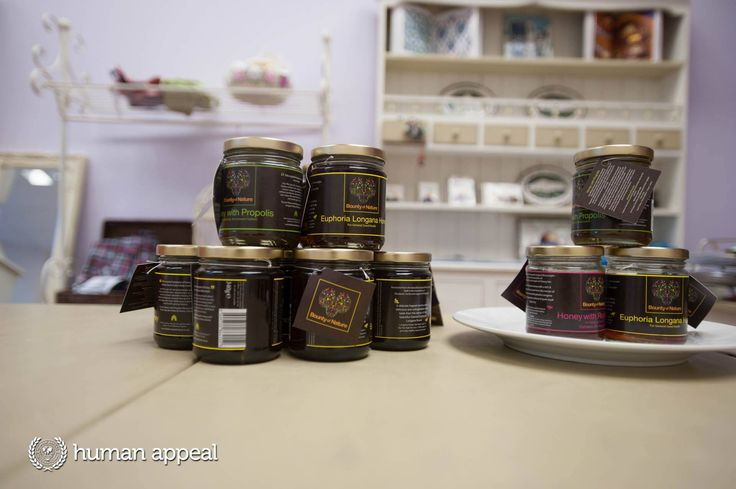Sourced from the beautiful, tropical jungles high in the mountains of Thailand's northwest region of Chiang Mai, this honey will make a superb gift for friends or family.