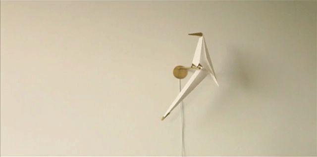 Perch Light è un'elegante lampada, realizzata dall'architetto e designer inglese Umut Yamac. Si ispira alle linee stilizzate...