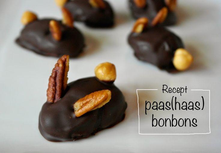 Paas(haas) bonbons. Leuk (en super lekker!) voor de Paasdagen. Het recept vind je op mijn site: http://doemijmaaruiensoep.blogspot.nl/2015/03/recept-paashaas-bonbons.html