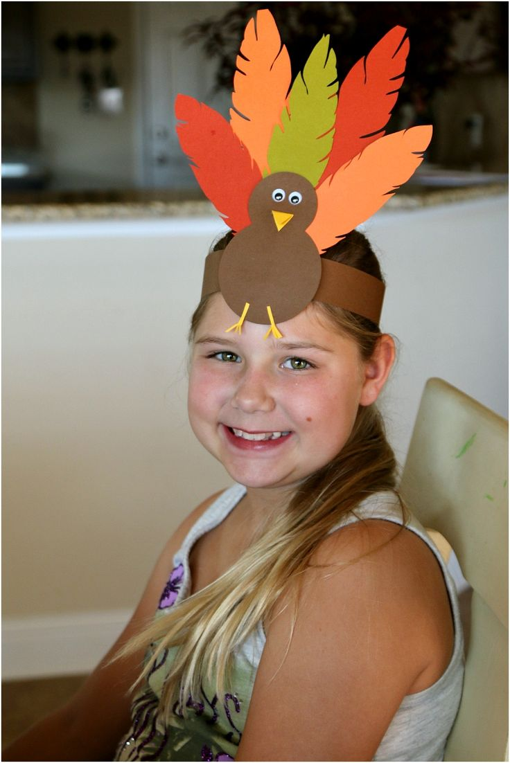 15 Fun Crafts And Decor Ideas For The Thanksgiving Kiddie Table
