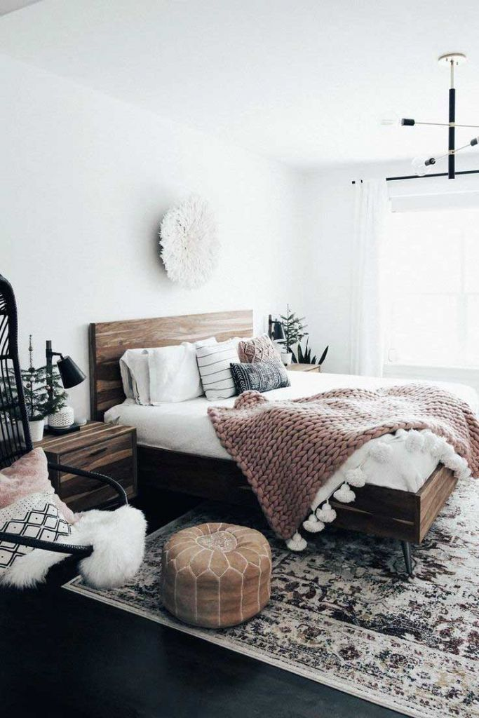 35 Cute Apartment Bedroom Room Decor Ideas In 2020 Small Bedroom Ideas For Couples Rustic Chic Bedroom Simple Bedroom