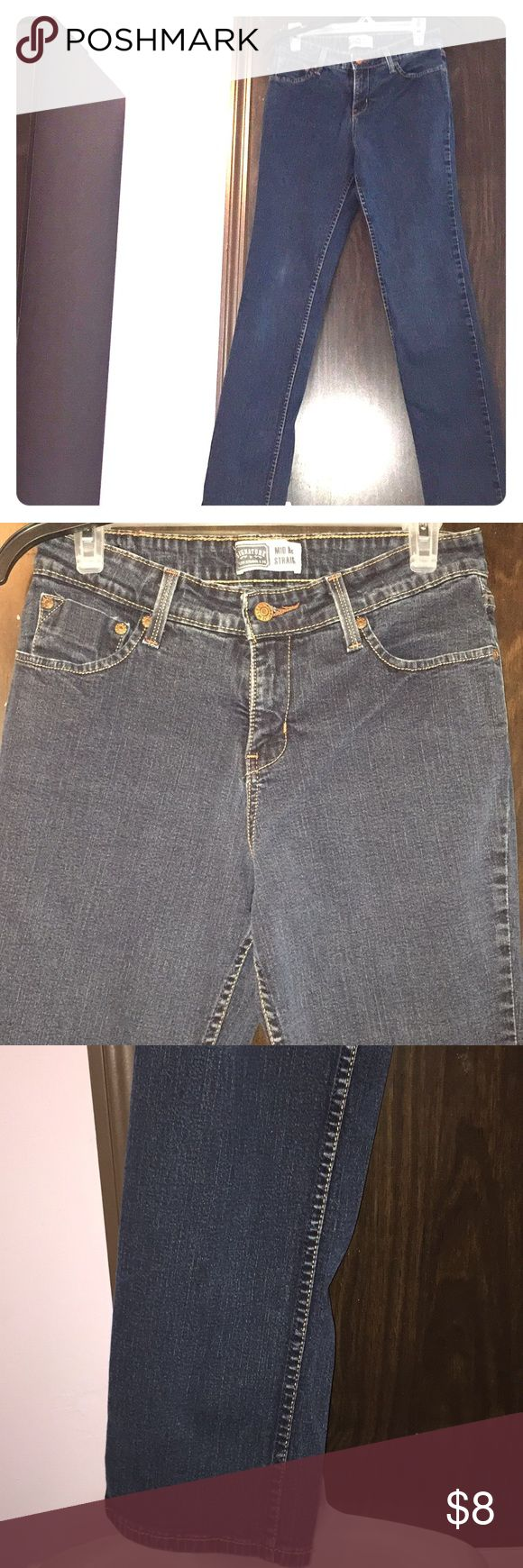 "Signature Levi Strauss straight jeans. Size 8 long Signature Levi Strauss mid rise straight jeans. Size 8 long. Worn, but in great condition. Length 42"". Inseam 32"". Fast shipping. Signature by Levi Strauss Jeans Straight Leg"