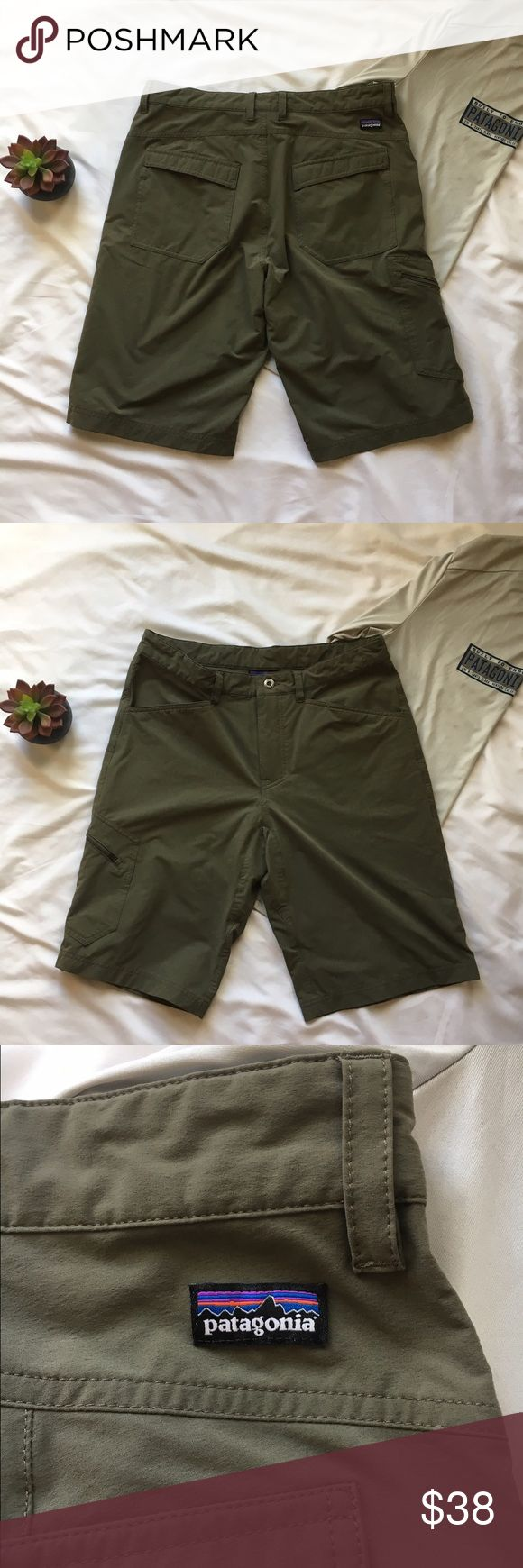 Patagonia Quandary Men's Shorts Excellent Condition, no signs of wear, like new.  10 inch inseam, 96% Nylon and 4% spandex with water repellent finish and UPF 50 sun protection. Great for the outdoors. Patagonia Shorts Cargo